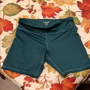 Girls Size L Active Shorts Brand New